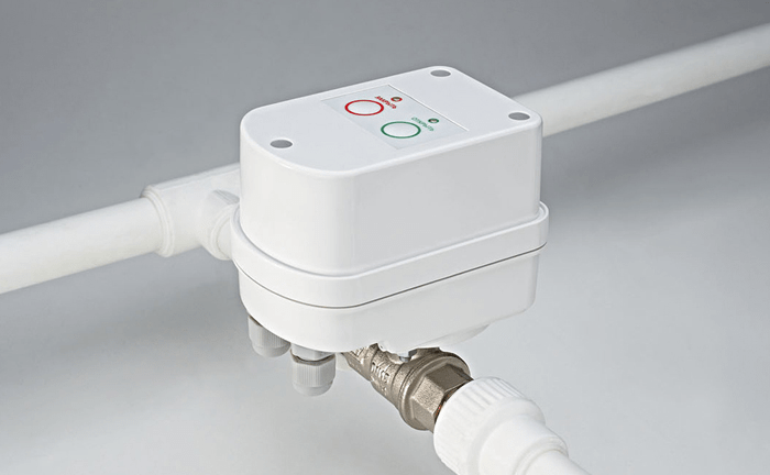 Автоматический клапан с электроприводом на трубах