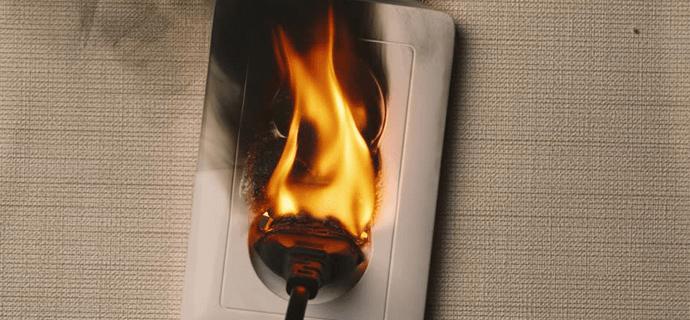 Возгорание в домашней розетке